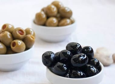 olives-black-green-and-stuffed