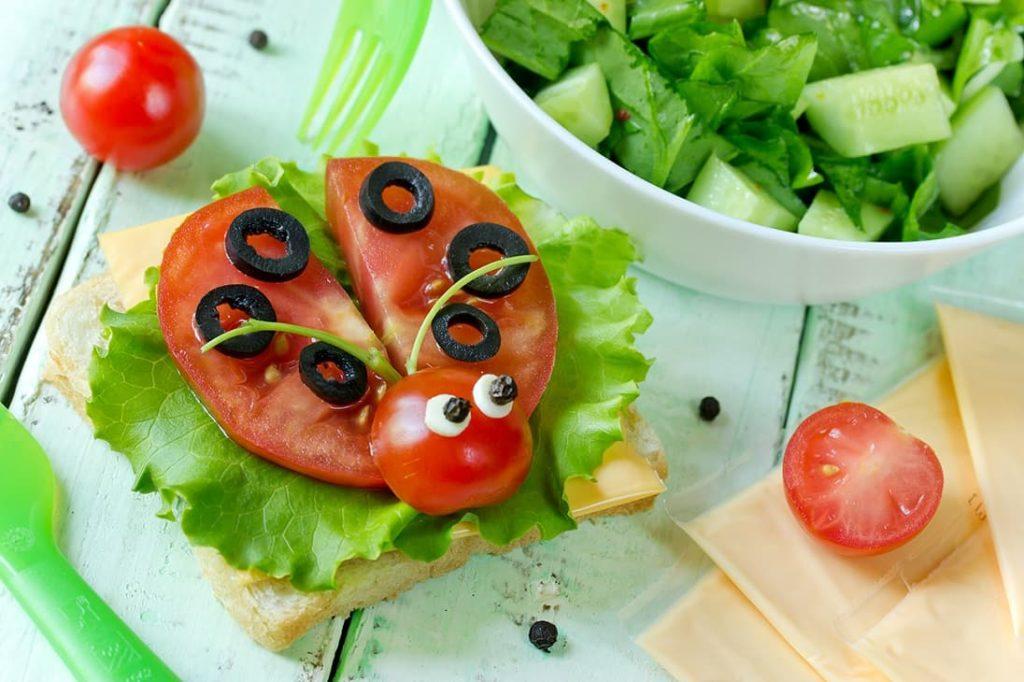 aceitunas con tomate|||